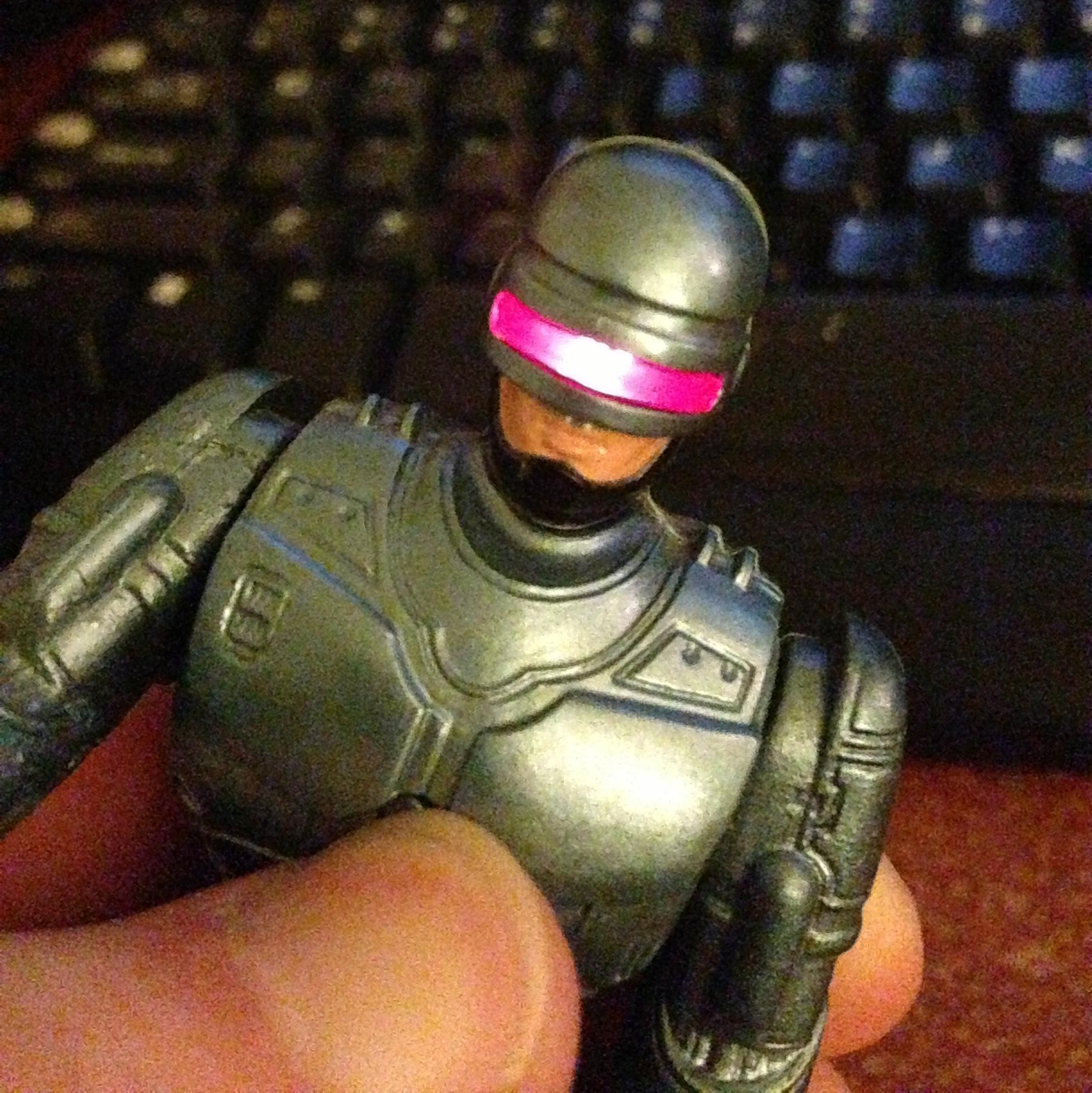 robocop with machine gun sound and light up visor